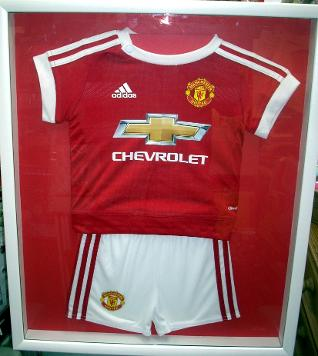 childs football shirt & shorts